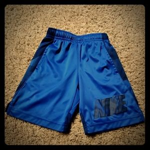 Nike boys dri-fit shorts size 5